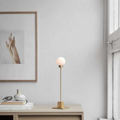 Bilde av Snowball Bordlampe Brass